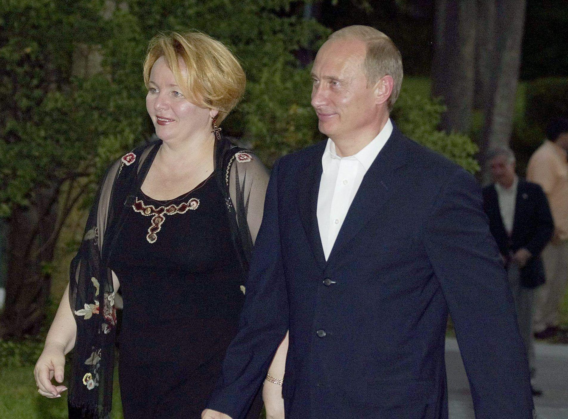 Vladimir Putin e l'ex moglie Ludmilla