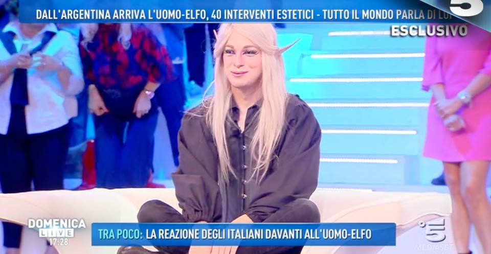 L'uomo elfo ospite a 'Domenica Live'