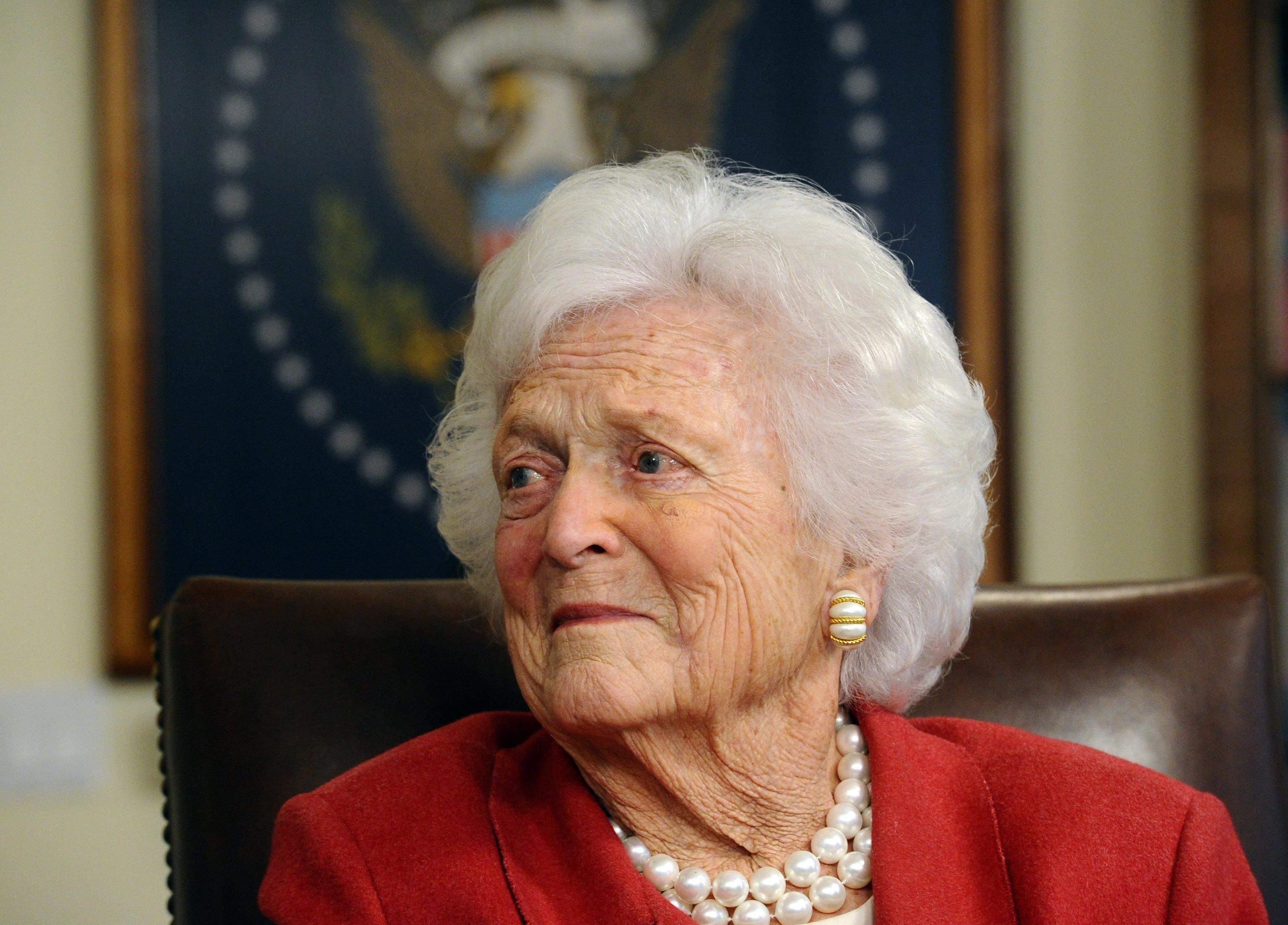 Barbara Bush è morta a 92 anni: era la nonna d'America