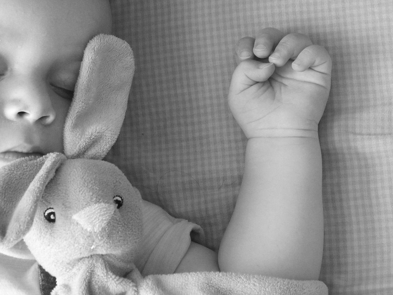 Pesaro: bimba muore in culla nel giorno del suo battesimo