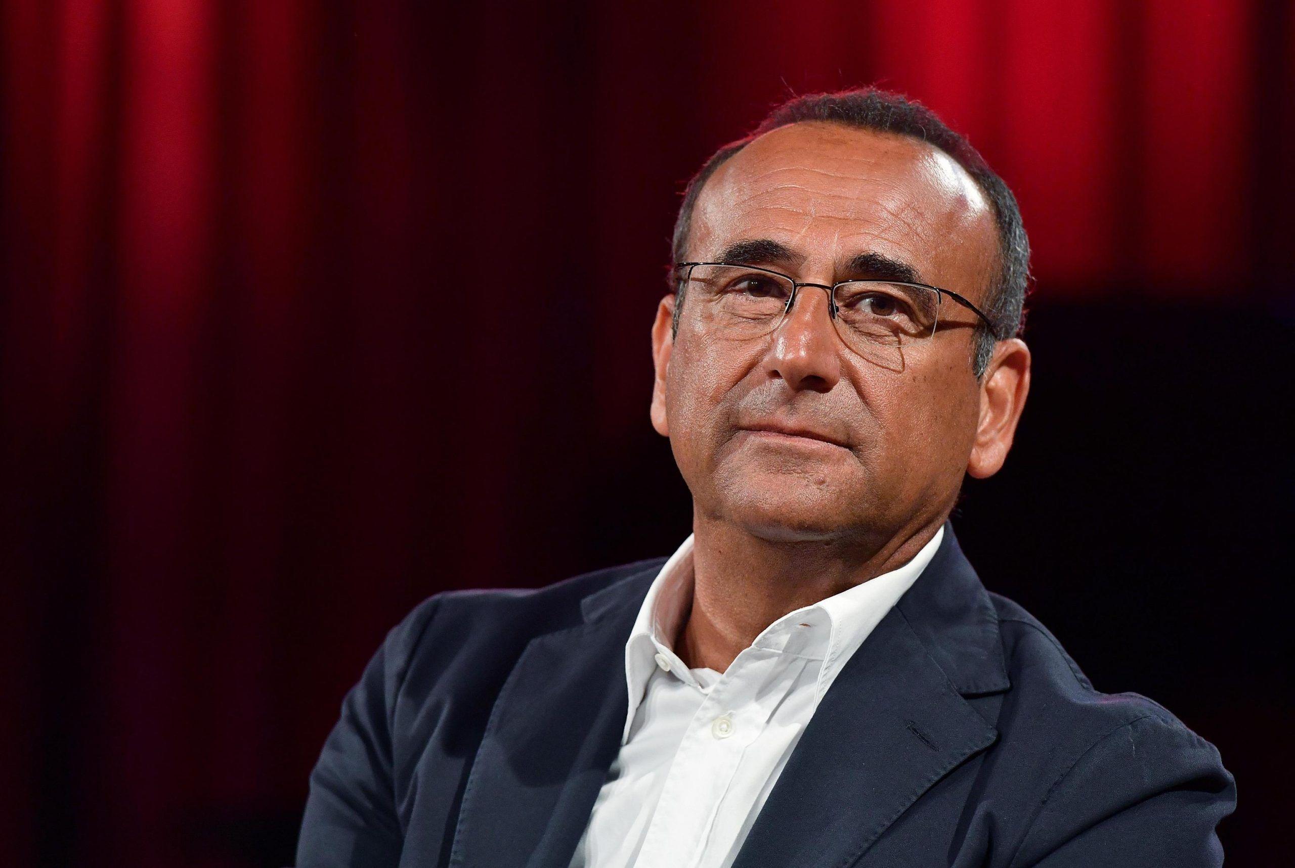 """Carlo Conti ricorda Fabrizio Frizzi: """"È stato difficile andare avanti"""""""