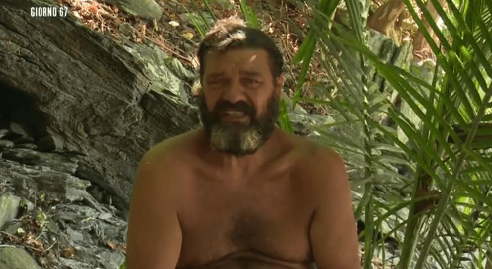 Franco Terlizzi lascia L'Isola dei famosi 13: sottoposto ad accertamenti medici