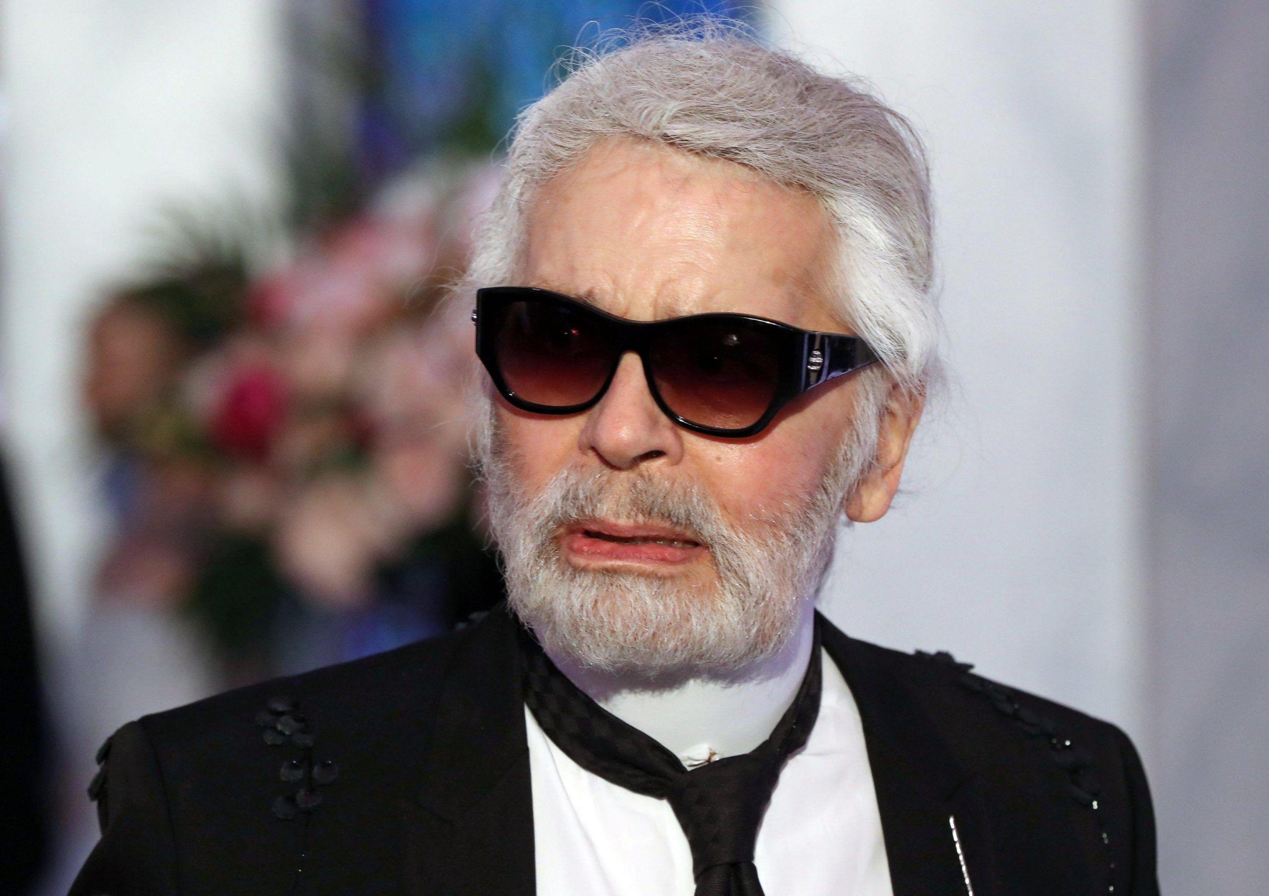 Karl Lagerfeld e le accuse di molestie: 'Le modelle sanno a cosa vanno incontro'