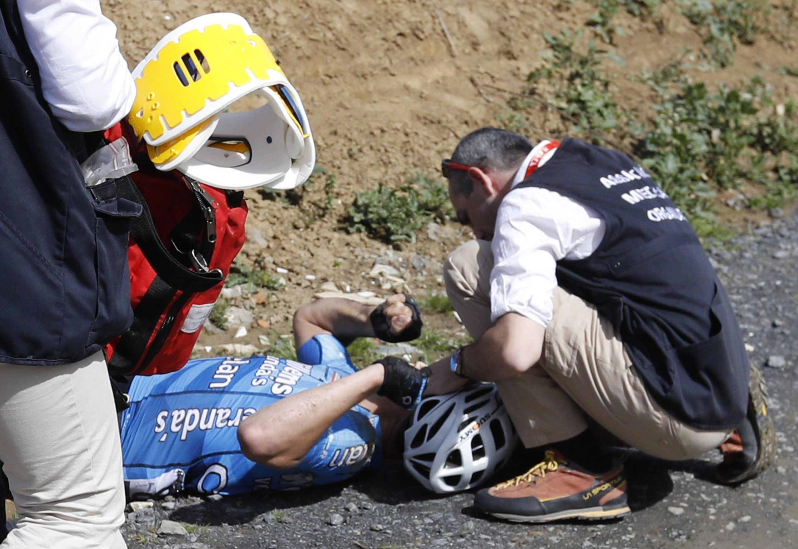 Ciclismo Roubaix caduta e arresto cardiaco Goolaerts