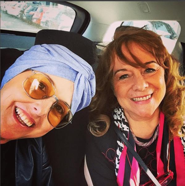 Nadia Toffa pubblica una foto con la mamma: 'Una donna fantastica'