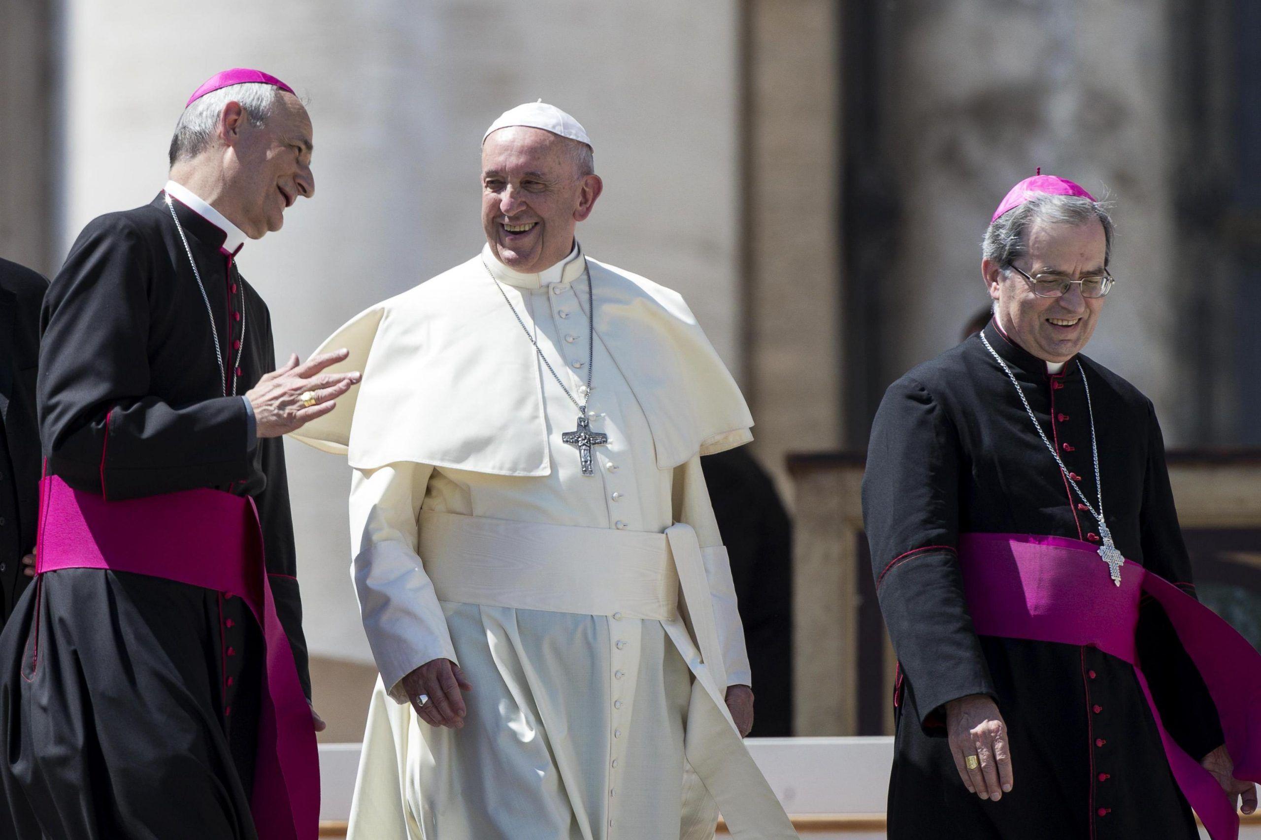 Papa Francesco regala tremila gelati ai senzatetto in occasione del suo onomastico
