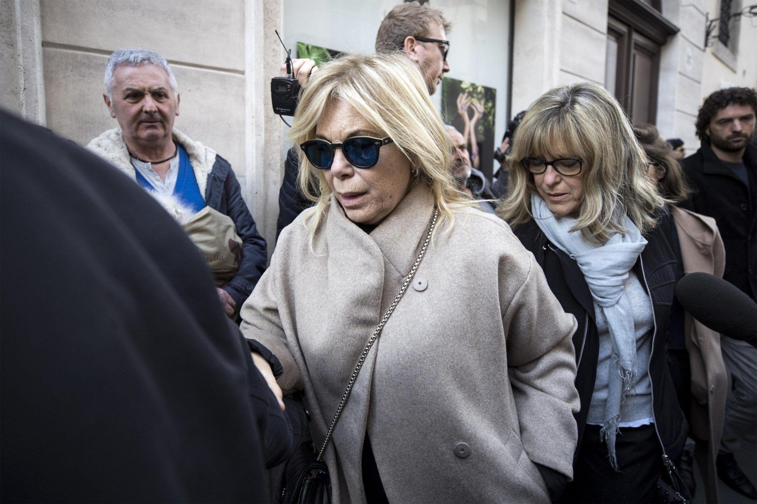 Rita Dalla Chiesa: 'Mi stanno massacrando, non posso più nominare Fabrizio Frizzi'
