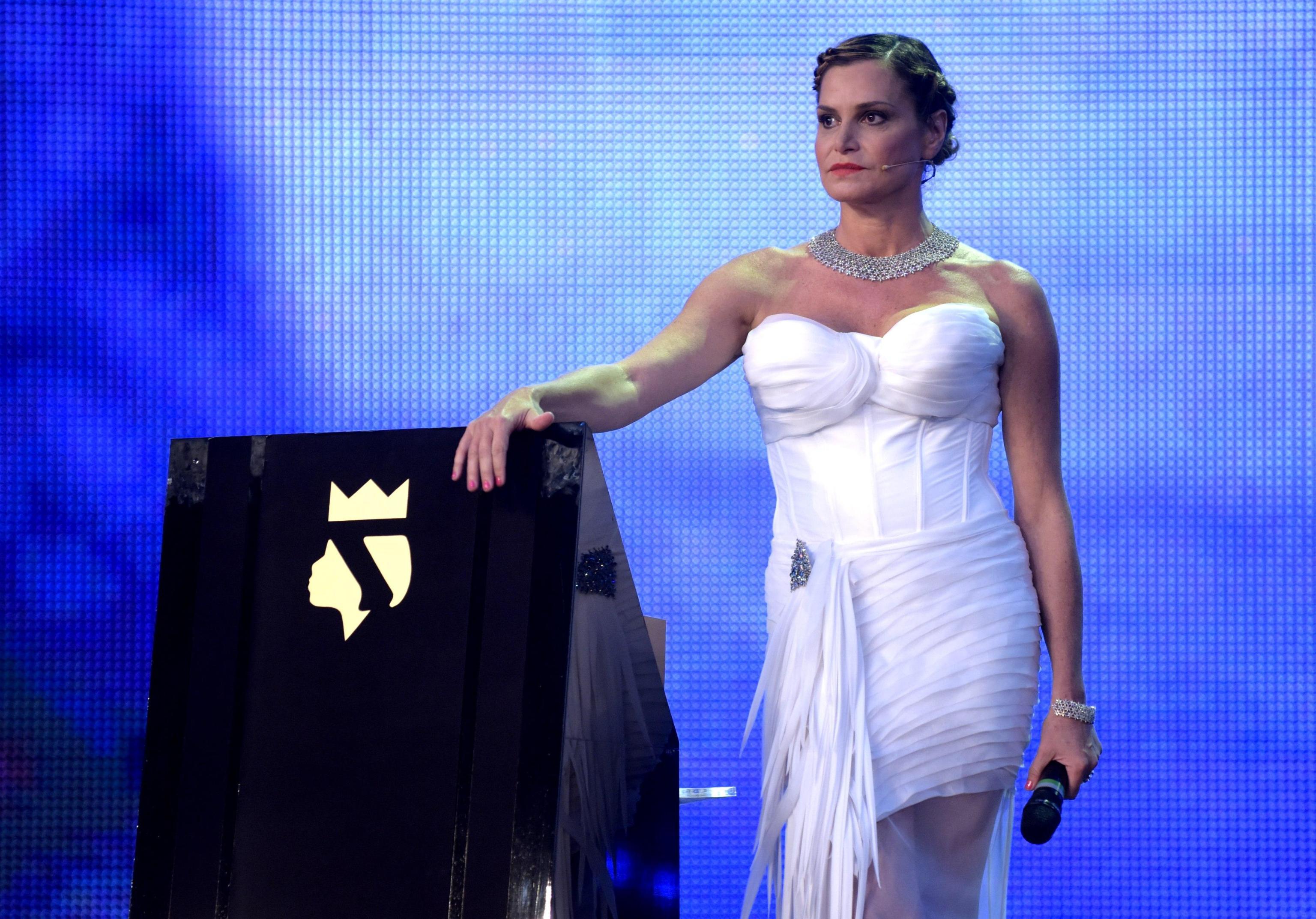 Simona Ventura, dalla tv all'amore: 'Riparto a testa bassa. Gerò Carraro? Un dono dal cielo'