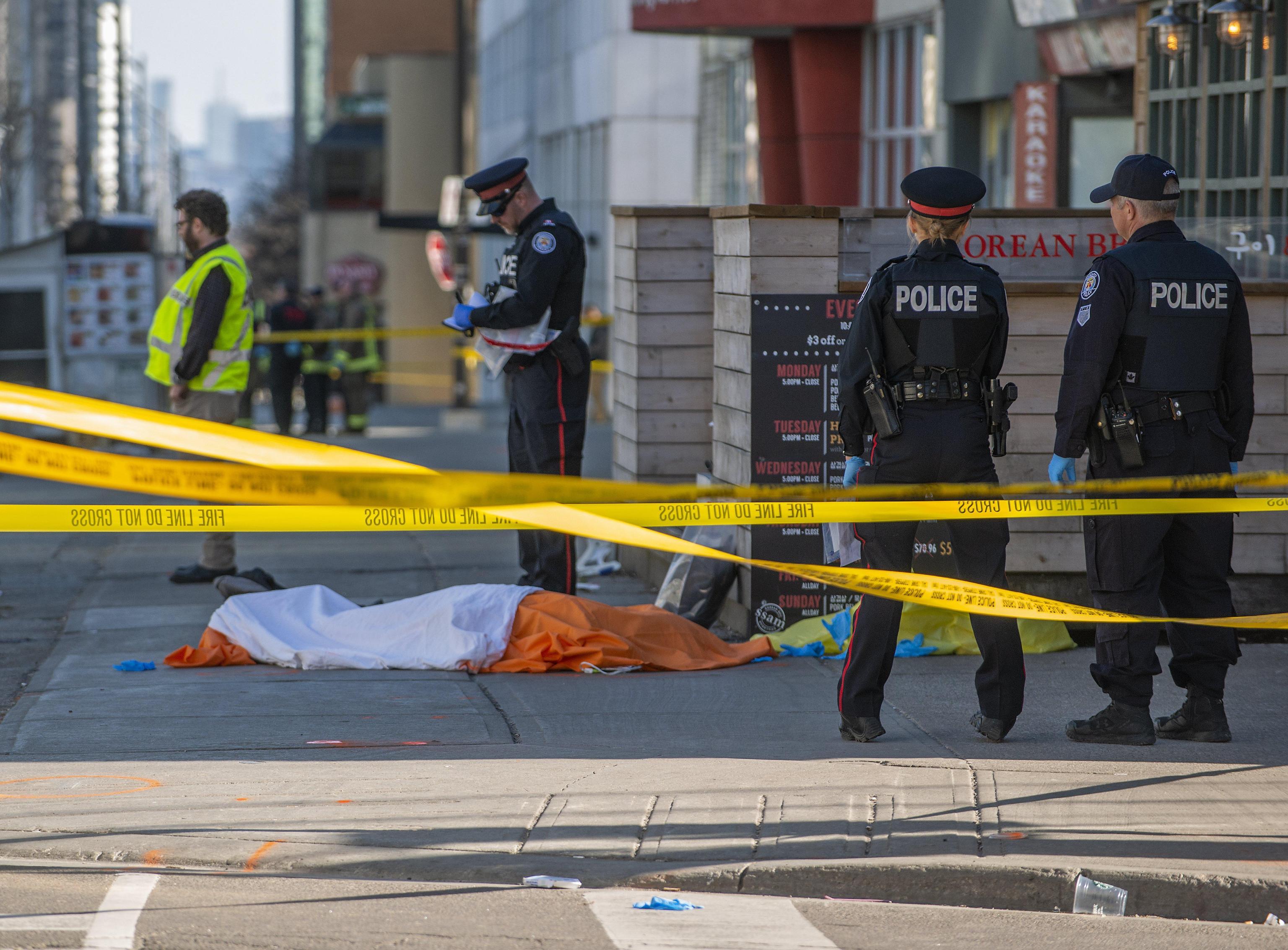 Strage di Toronto: il killer è uno studente solitario di 25 anni