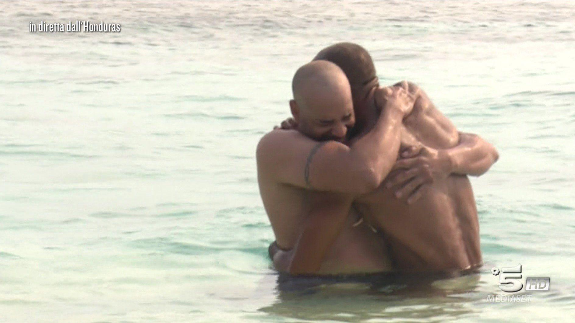 amaurys incontra il fratello a l'isola dei famosi 2018