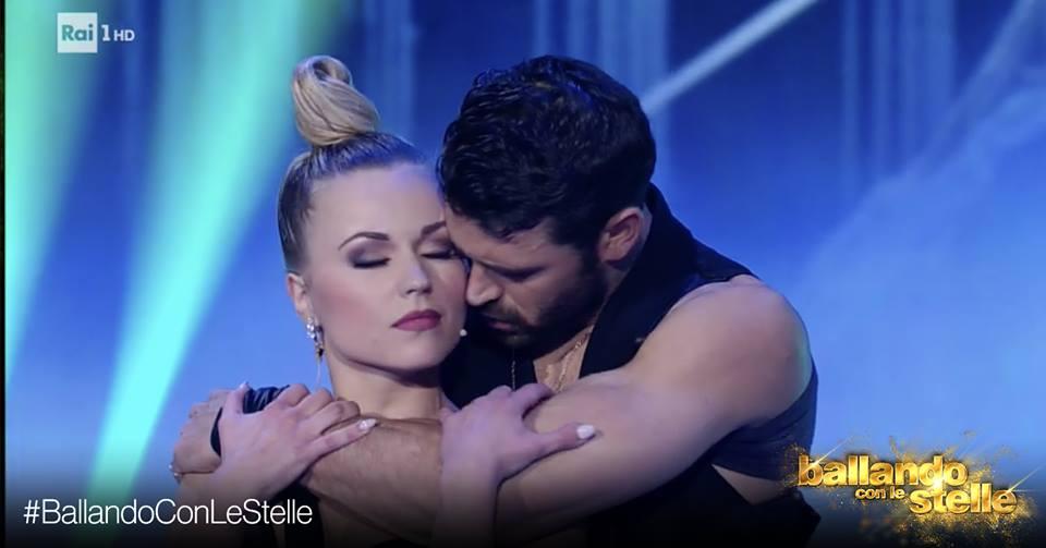 'Ballando con le stelle', scoppia l'amore tra Anastasia e Francisco