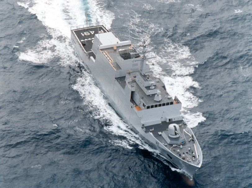 Elicottero della Marina Militare precipita in mare: morto un membro dell'equipaggio
