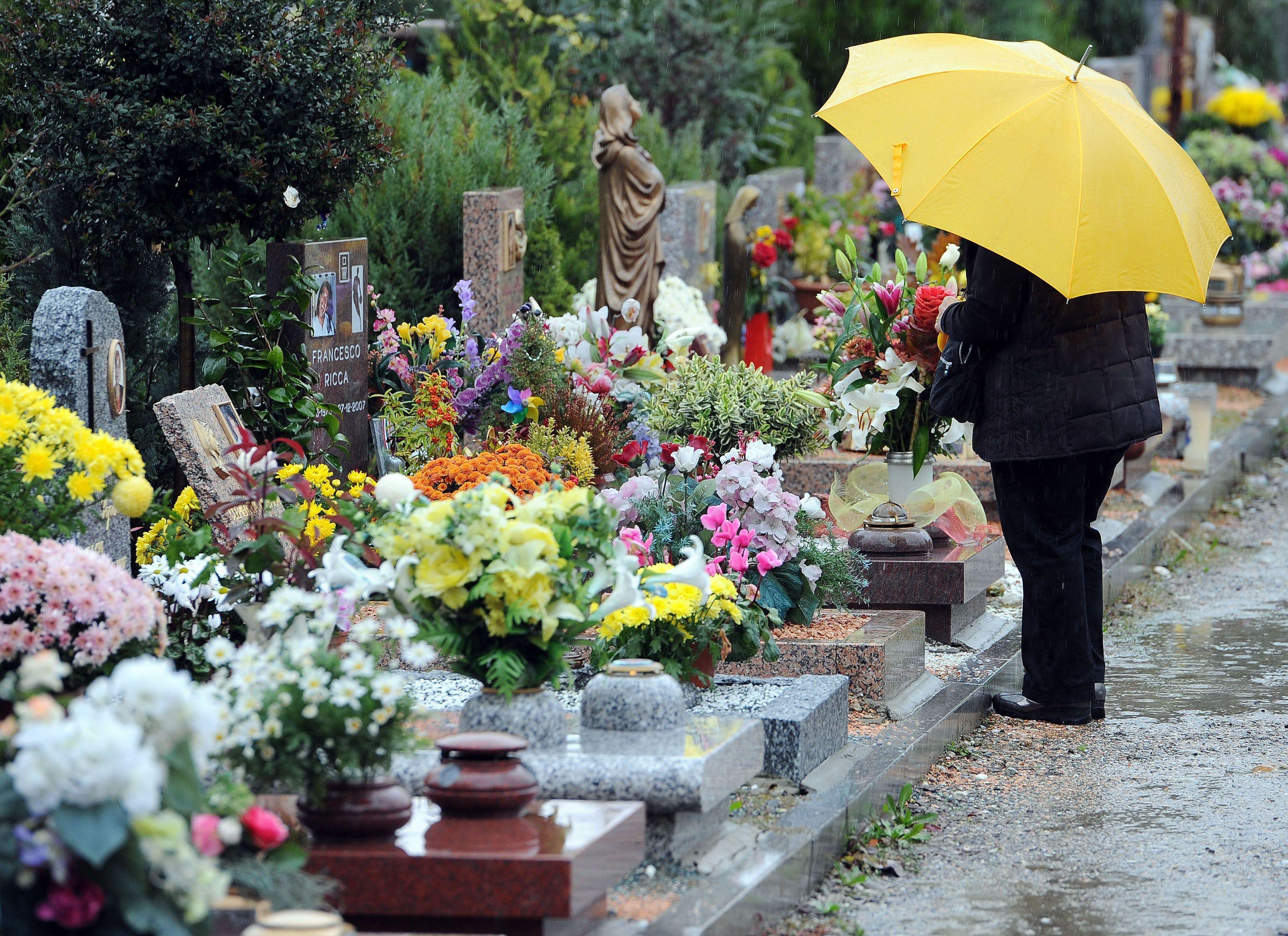 Muore sulla tomba della figlia nel giorno di Pasqua