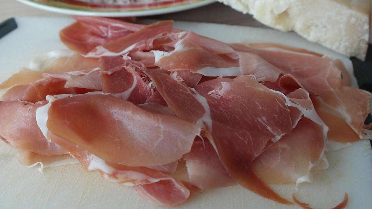 300 mila prosciutti Parma e San Daniele sequestrati: frode iniziata nel 2014 del valore di 90milioni
