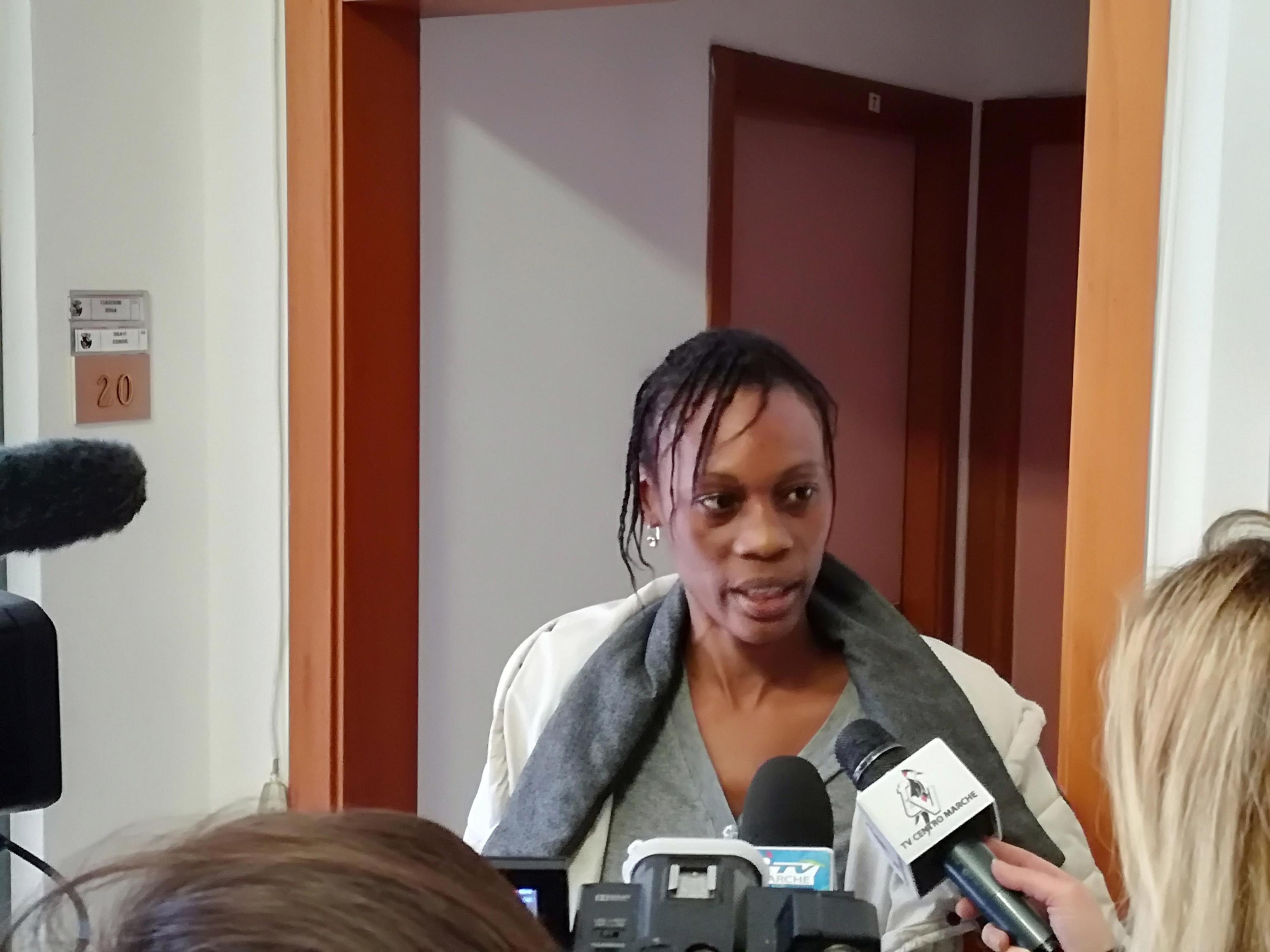'Sei nera non ci piaci': senegalese licenziata dalla casa riposo