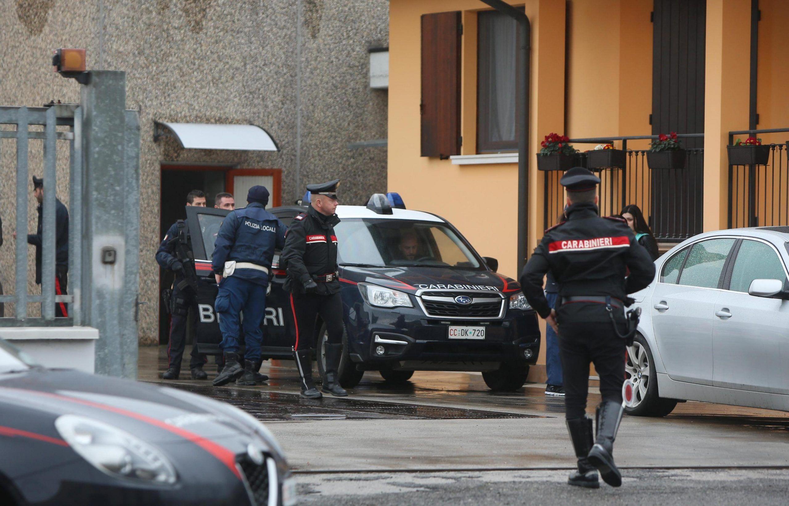 Killer spara nel Bresciano, un morto e un ferito