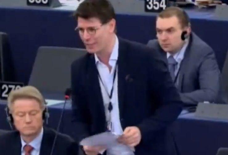 """Strasburgo, Ignazio Corrao: """"Io silenziato appena ho nominato la situazione italiana"""""""