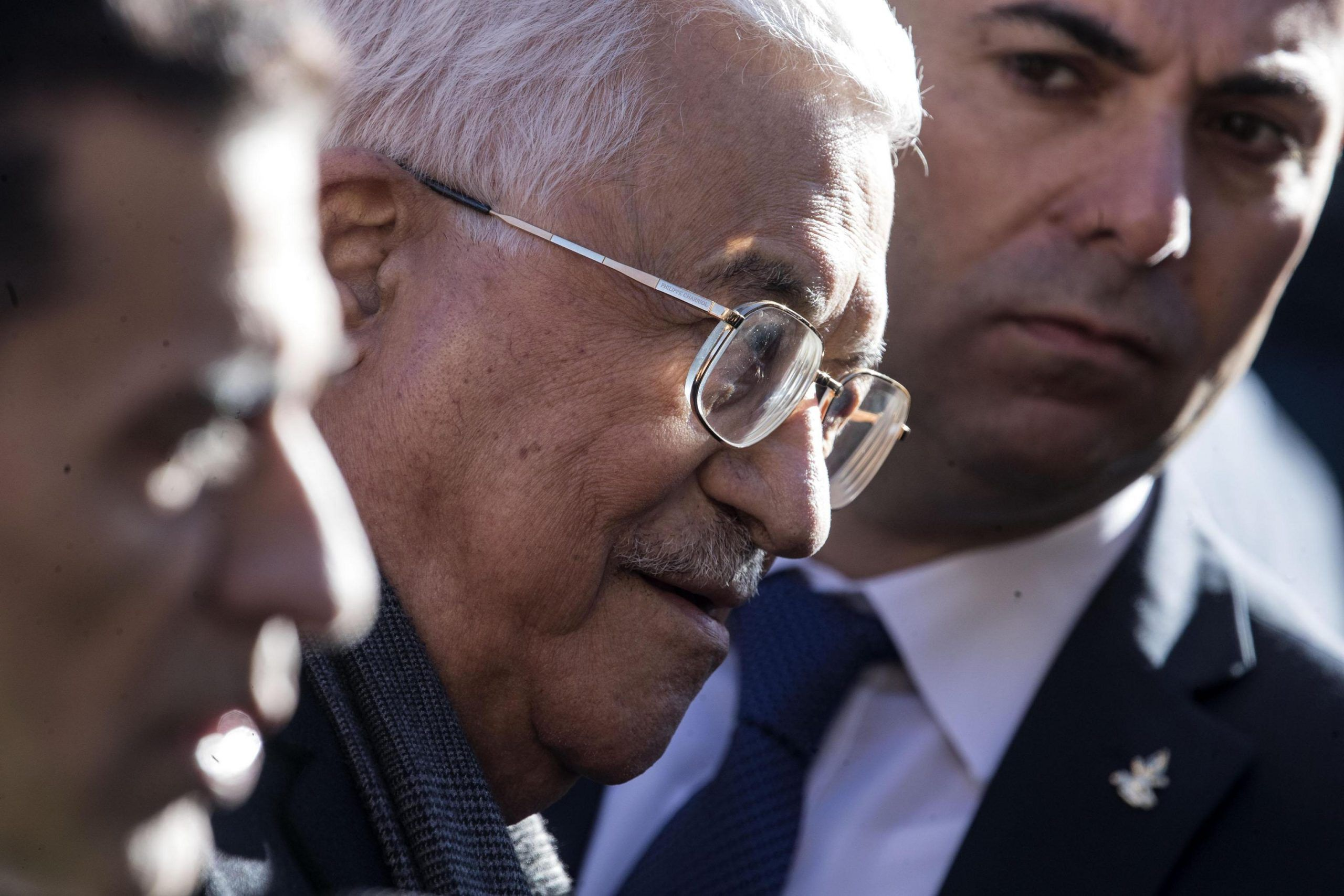 'Olocausto causato da comportamenti sociali degli ebrei legati all'usura': è bufera su Abu Mazen