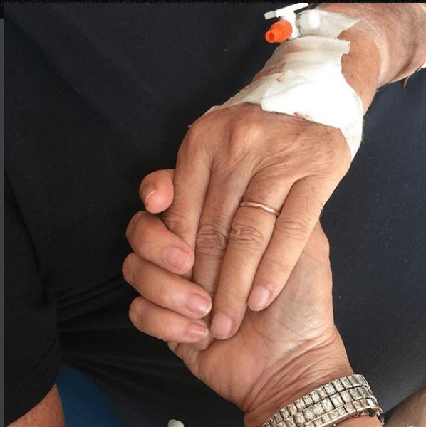 Mara Venier, il marito Nicola Carraro in ospedale: 'Tutto bene amore mio… anche questa è fatta'