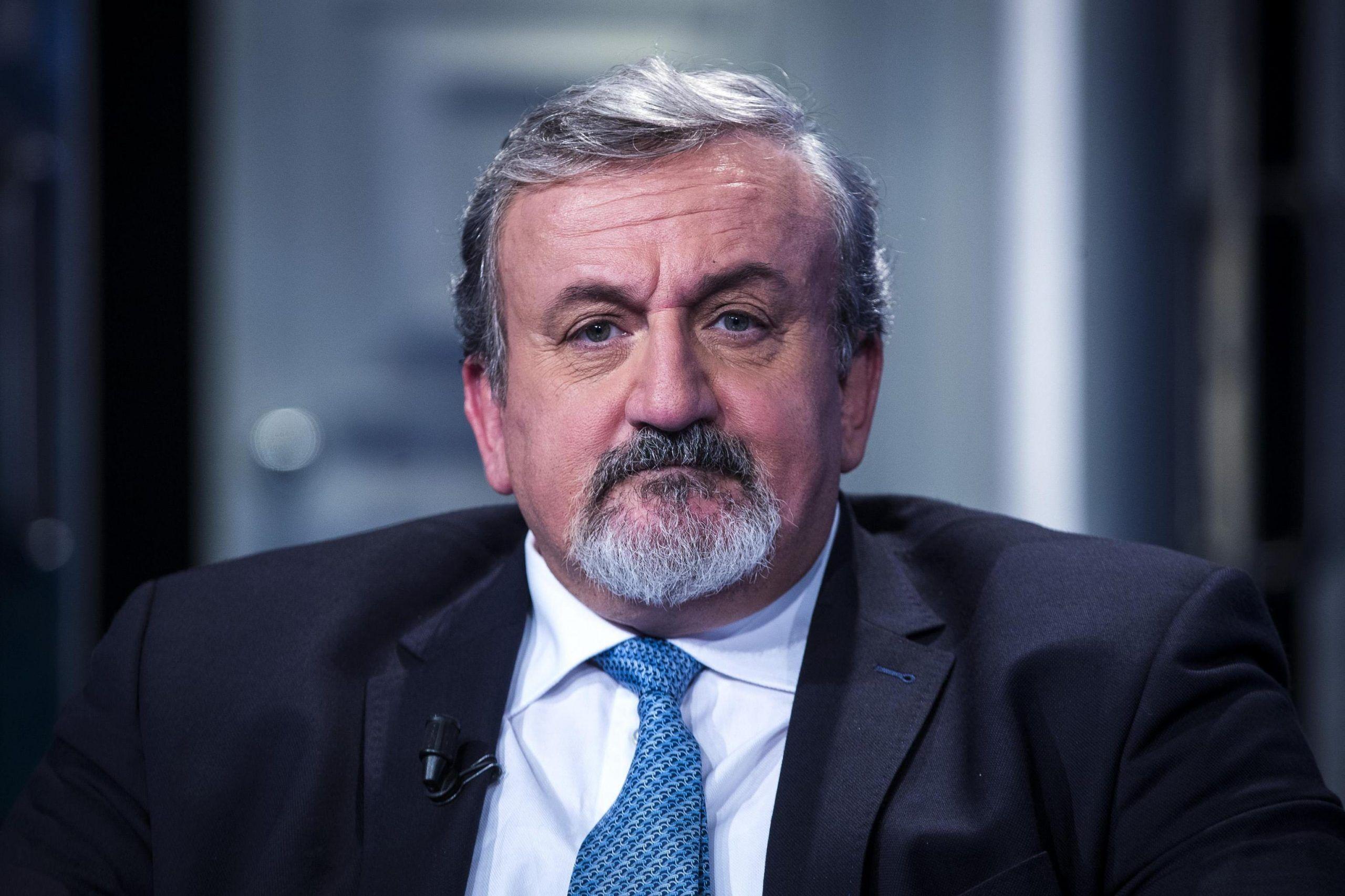 Michele Emiliano: 'I 5 Stelle sono più bravi del PD'