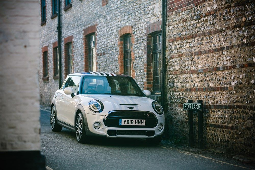 Mini one off Royal Wedding fronte