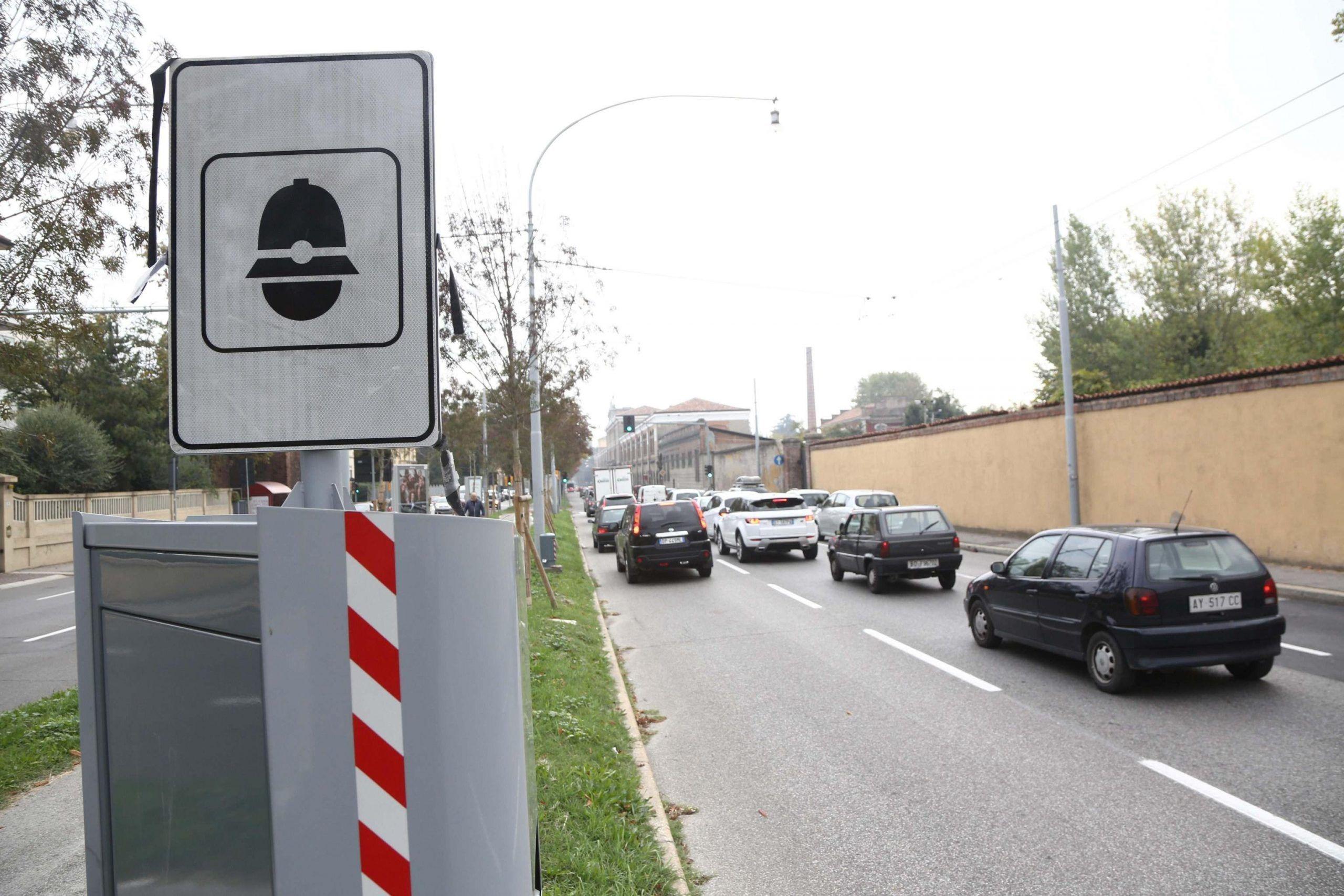 A Bologna arrivano i primi autovelox fissi su strade città