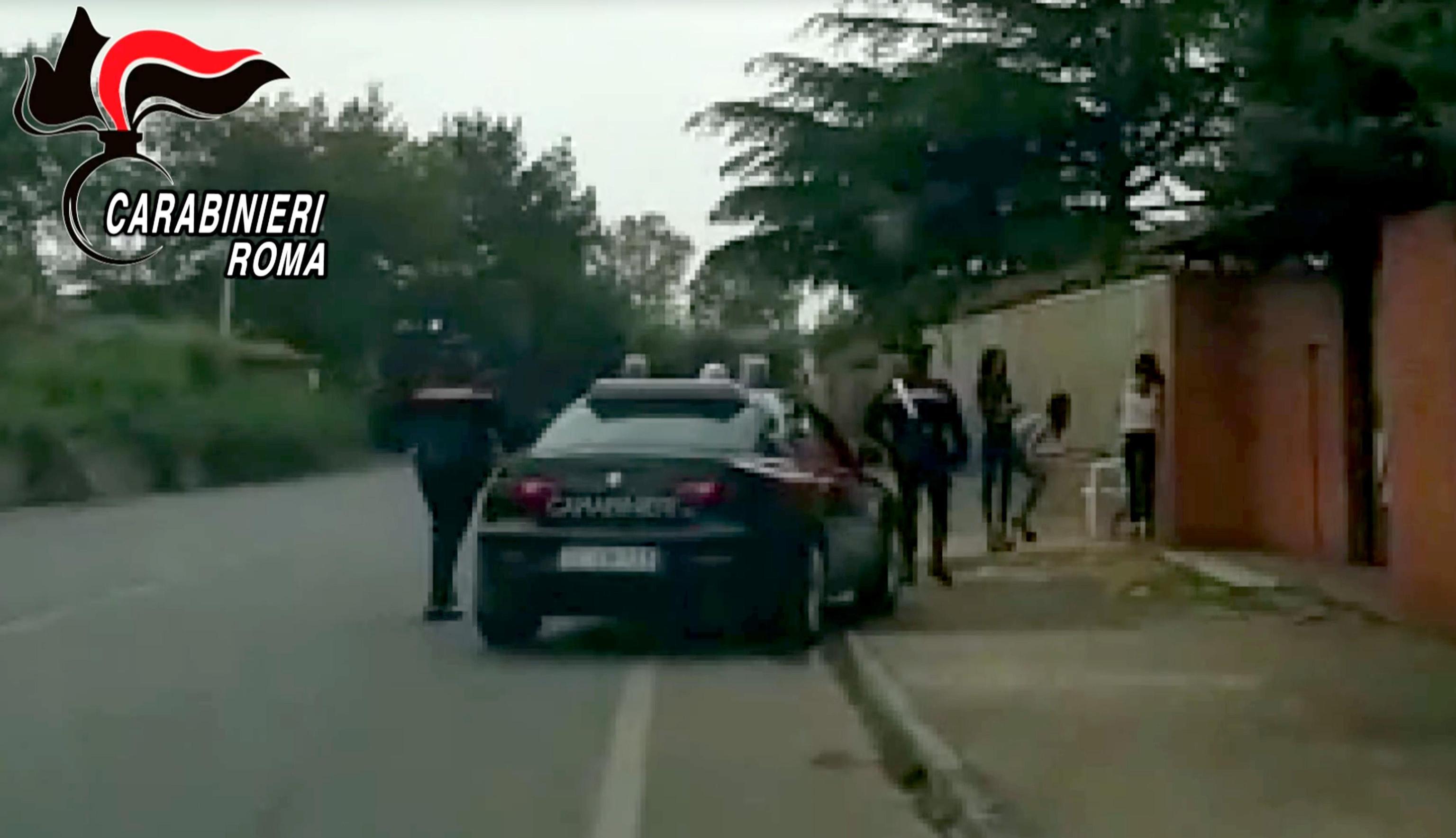 Pomezia, prostituzione in centri massaggi all'insaputa dei mariti: 5 arresti per sfruttamento