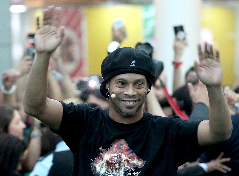 Ronaldinho sposa le due fidanzate, matrimonio con Priscilla Coelho e Beatriz Souza