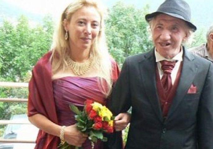 Sposa un miliardario più vecchio di 25 anni, ma alla sua morte scopre l'amara sorpresa