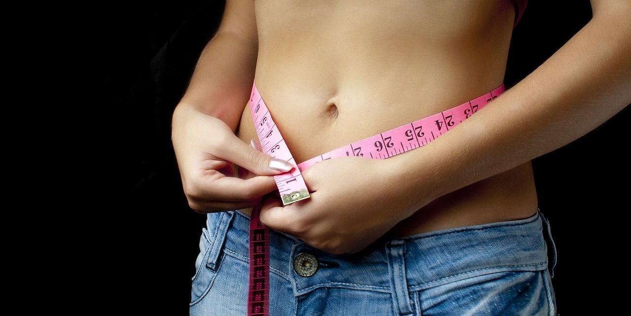 Sopravvive all'anoressia e celebra la nascita del secondo figlio
