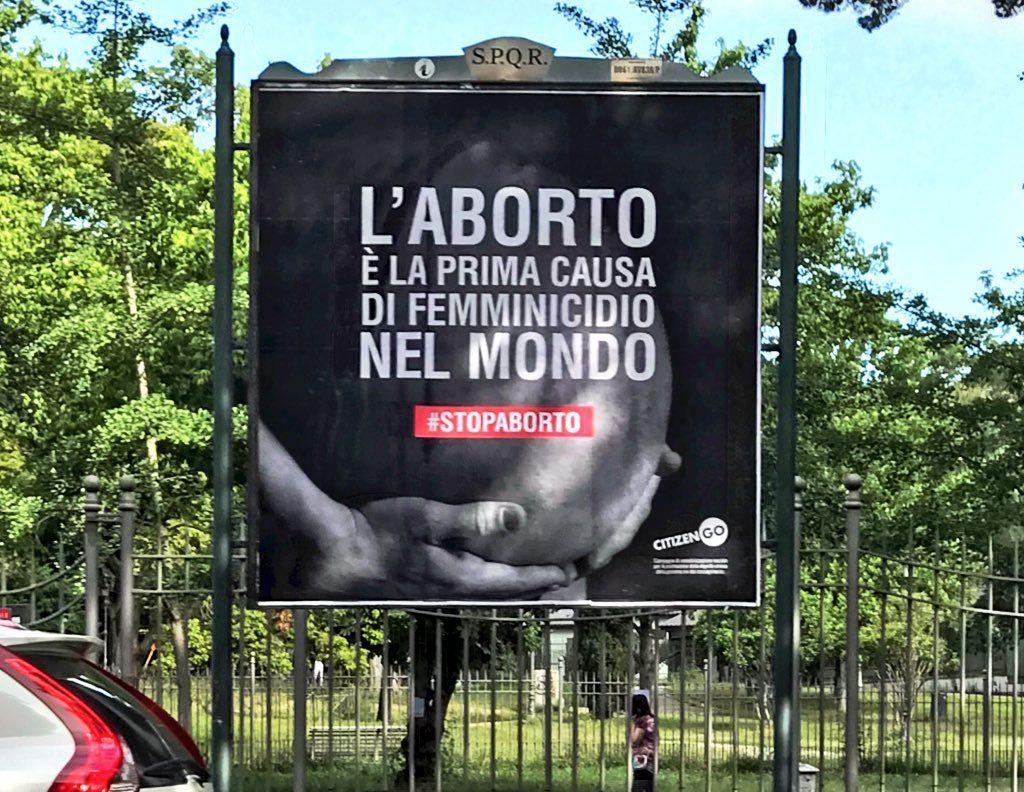 Aborto prima causa di femminicidio: a Roma il cartellone shock pro-life