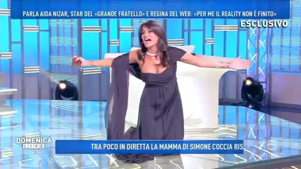 'Domenica Live', scandalo sexy per Aida Nizar