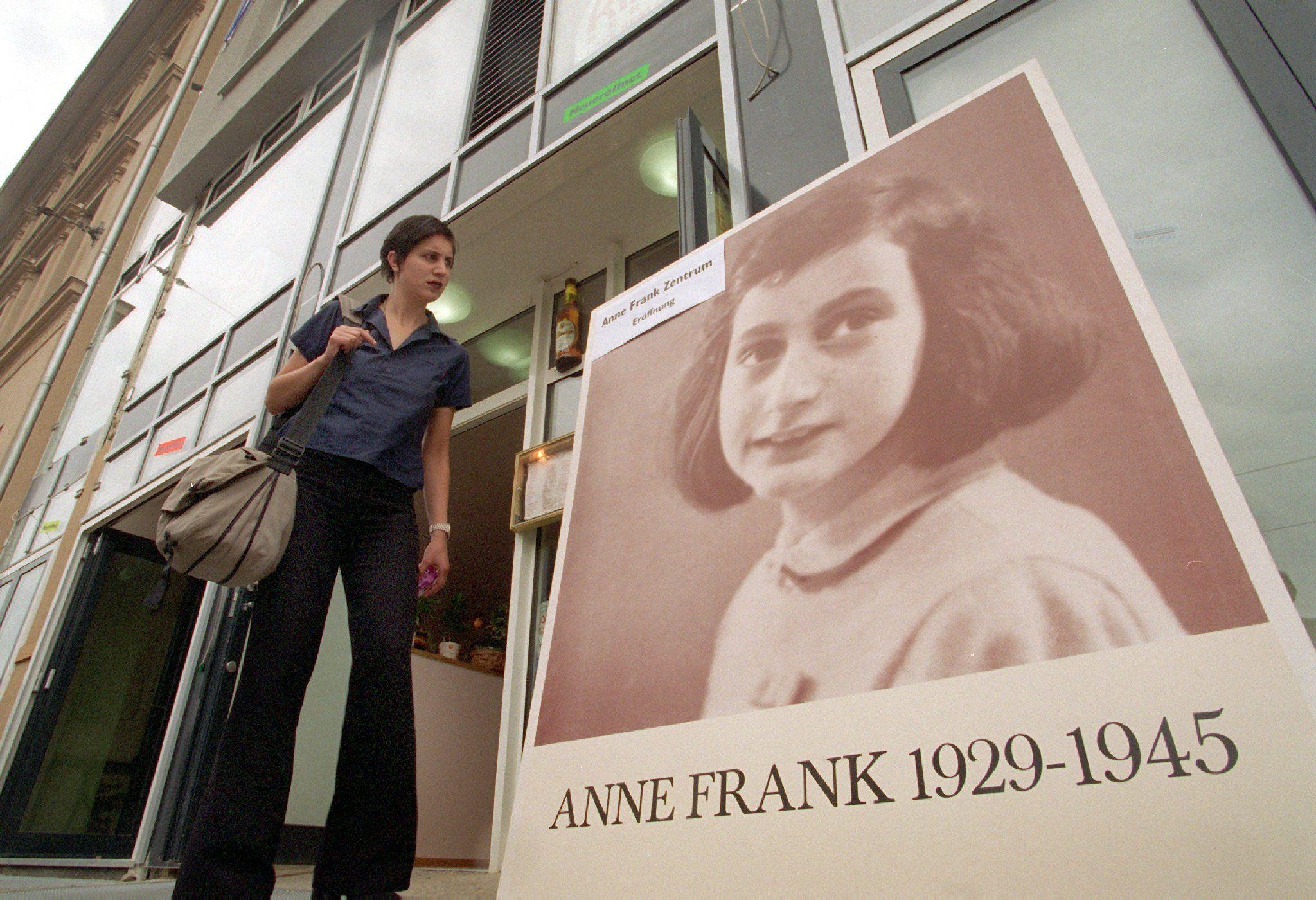 Anna Frank, svelate due pagine inedite del suo diario