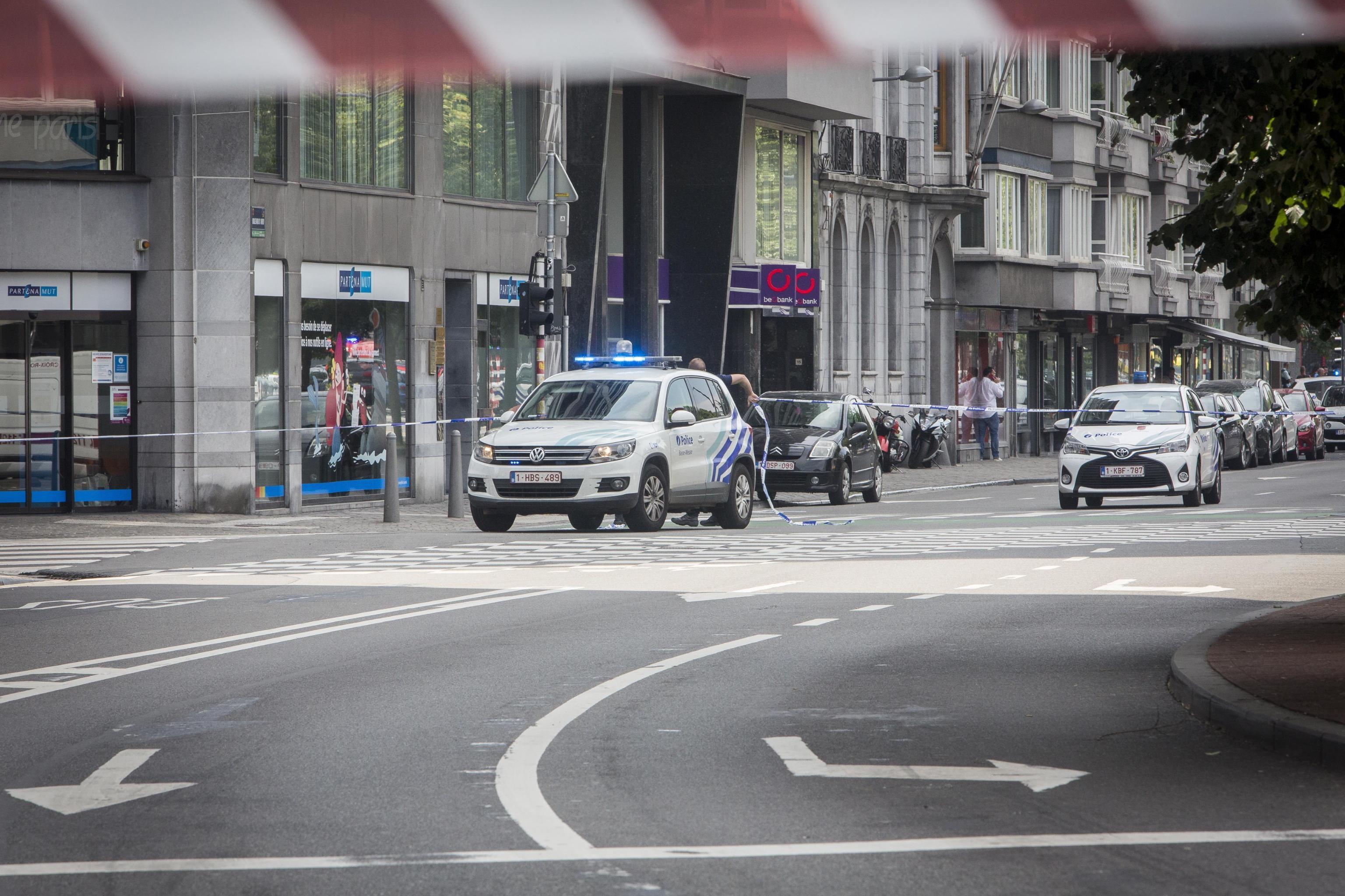 Attentato in Belgio: urla 'Allah è grande' e uccide tre persone