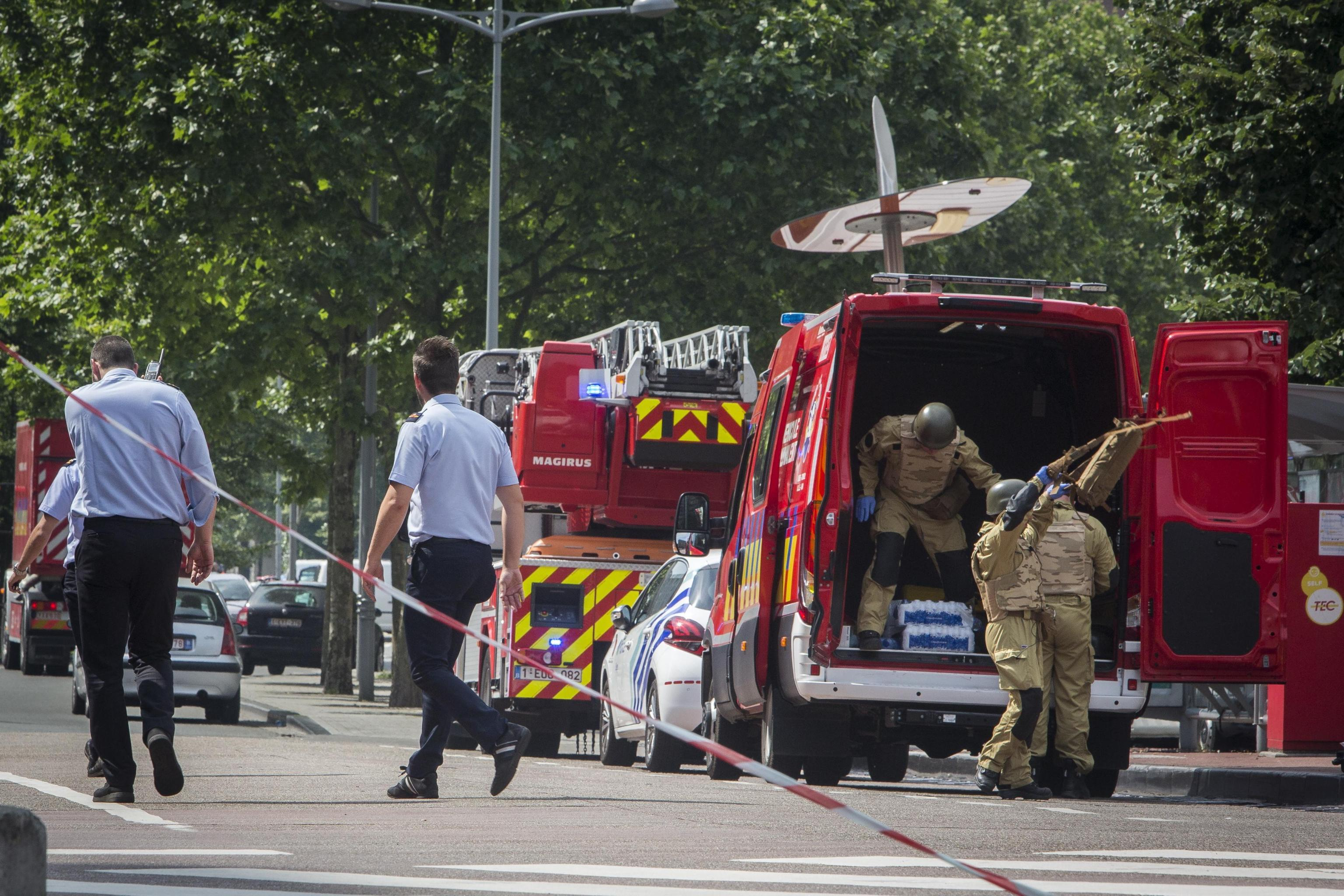 Liegi: si indaga per terrorismo, killer aveva coltello