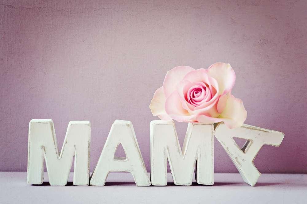 Immagini festa della mamma: frasi e foto per auguri speciali