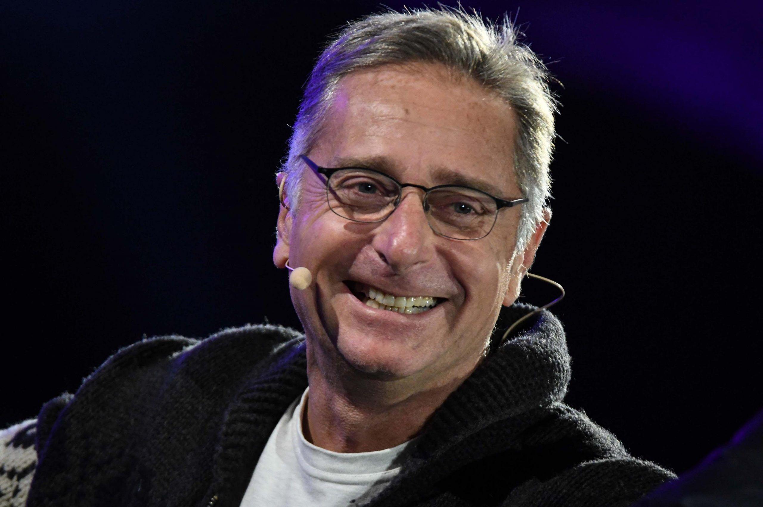 Paolo Bonolis commosso per la figlia Silvia: le lacrime a bordocampo