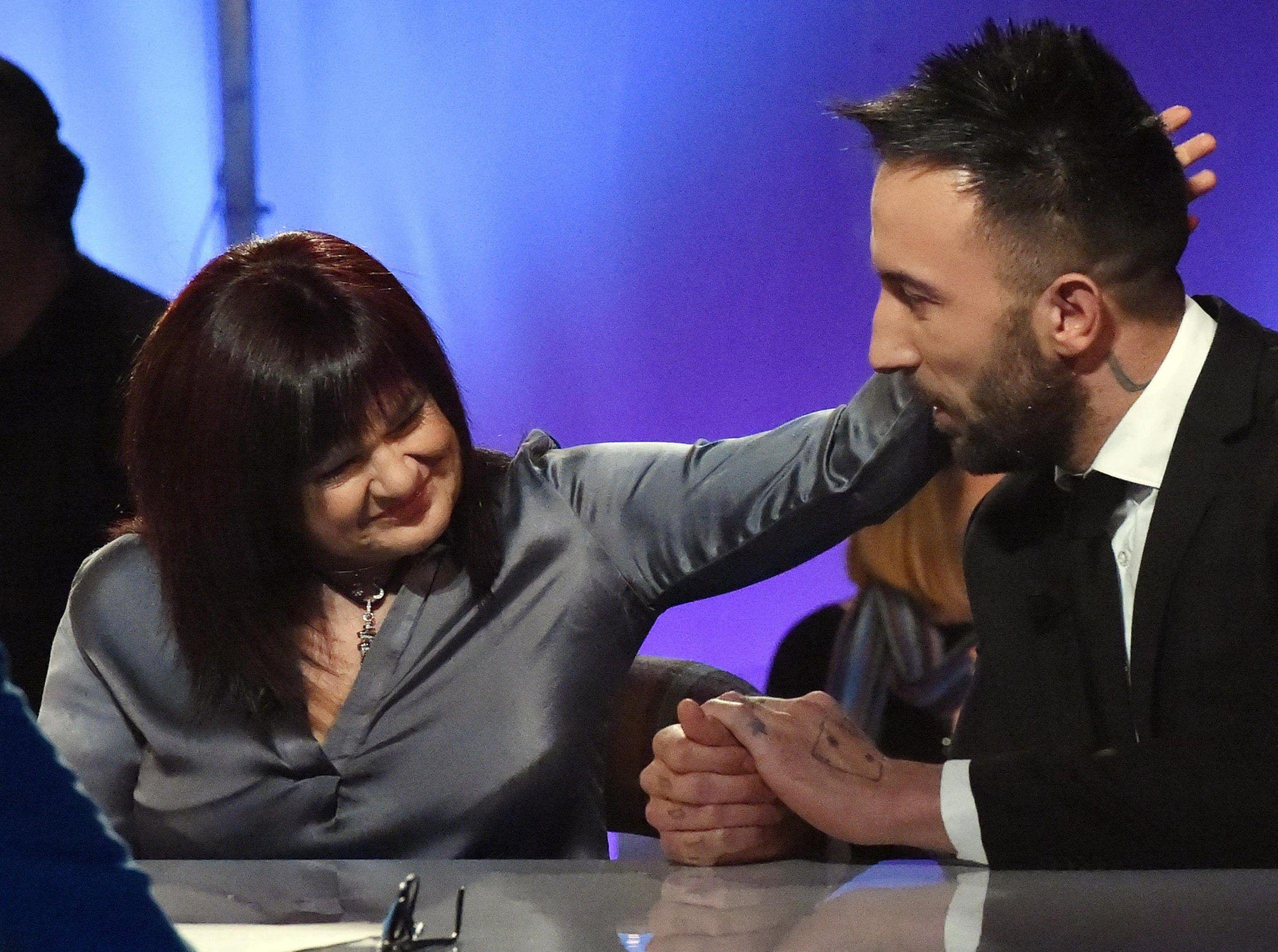 Stefania Pezzopane contro il Grande Fratello: 'Strumentalizzano la mia storia con Simone Coccia'