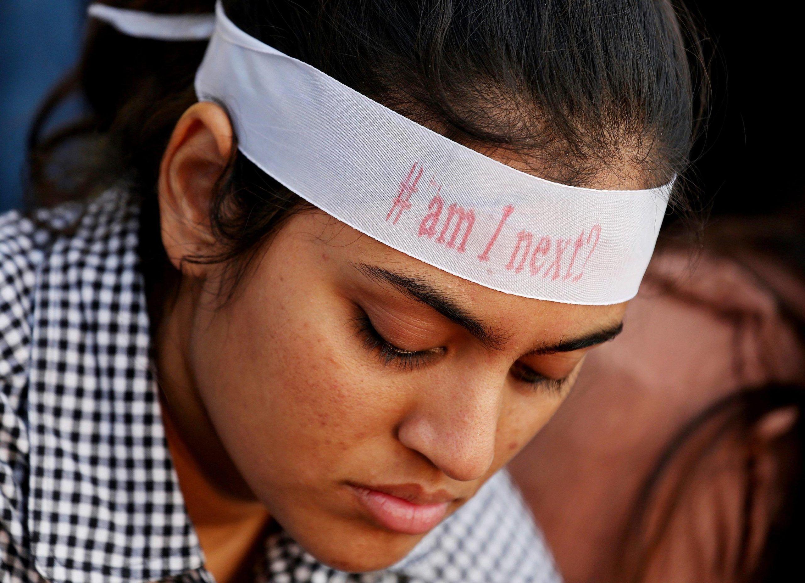 India: tre ragazze stuprate e bruciate vive dall'inizio del mese