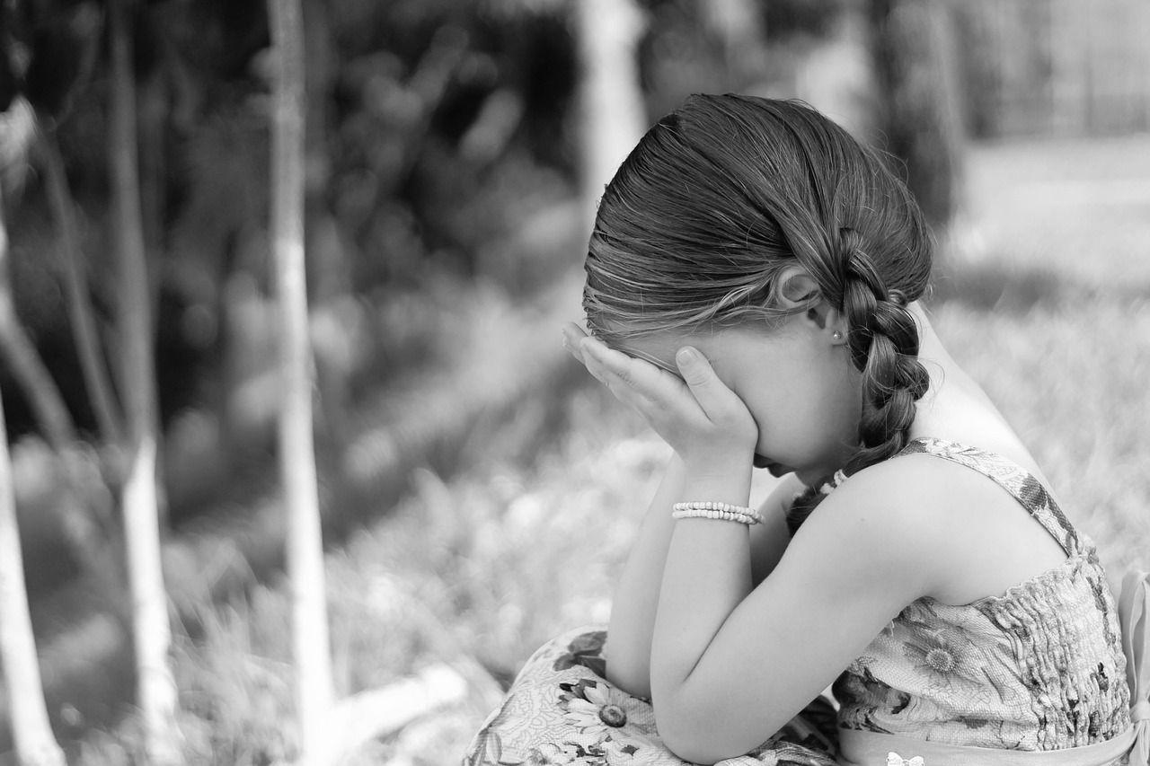 55enne inglese stupra due bambine per 10 anni: condannato a 28 anni di carcere