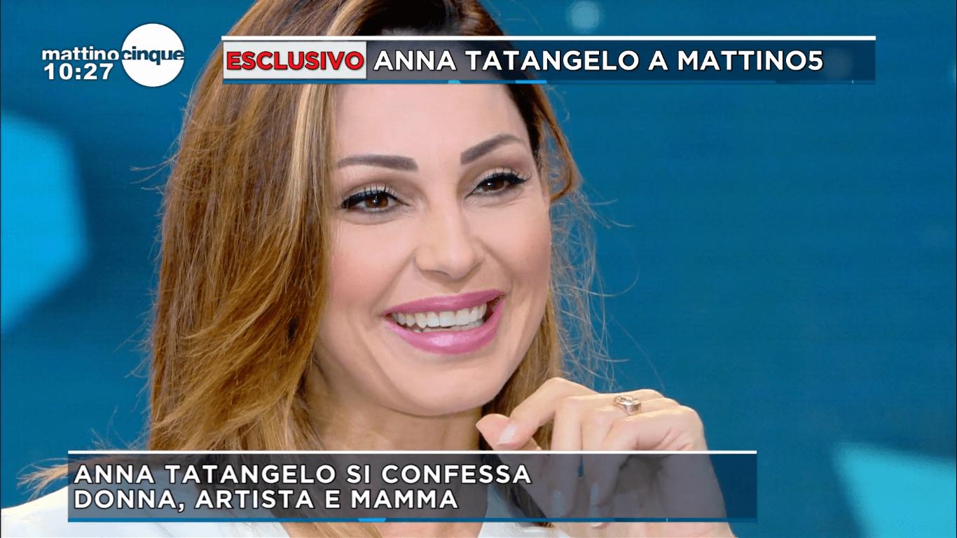 Anna Tatangelo: 'Vorrei altri figli in futuro. Con Gigi c'è un rapporto sereno'