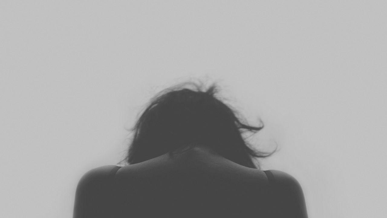 Bolzano, 27enne rinchiusa in casa e violentata dal branco 4 operai arrestati