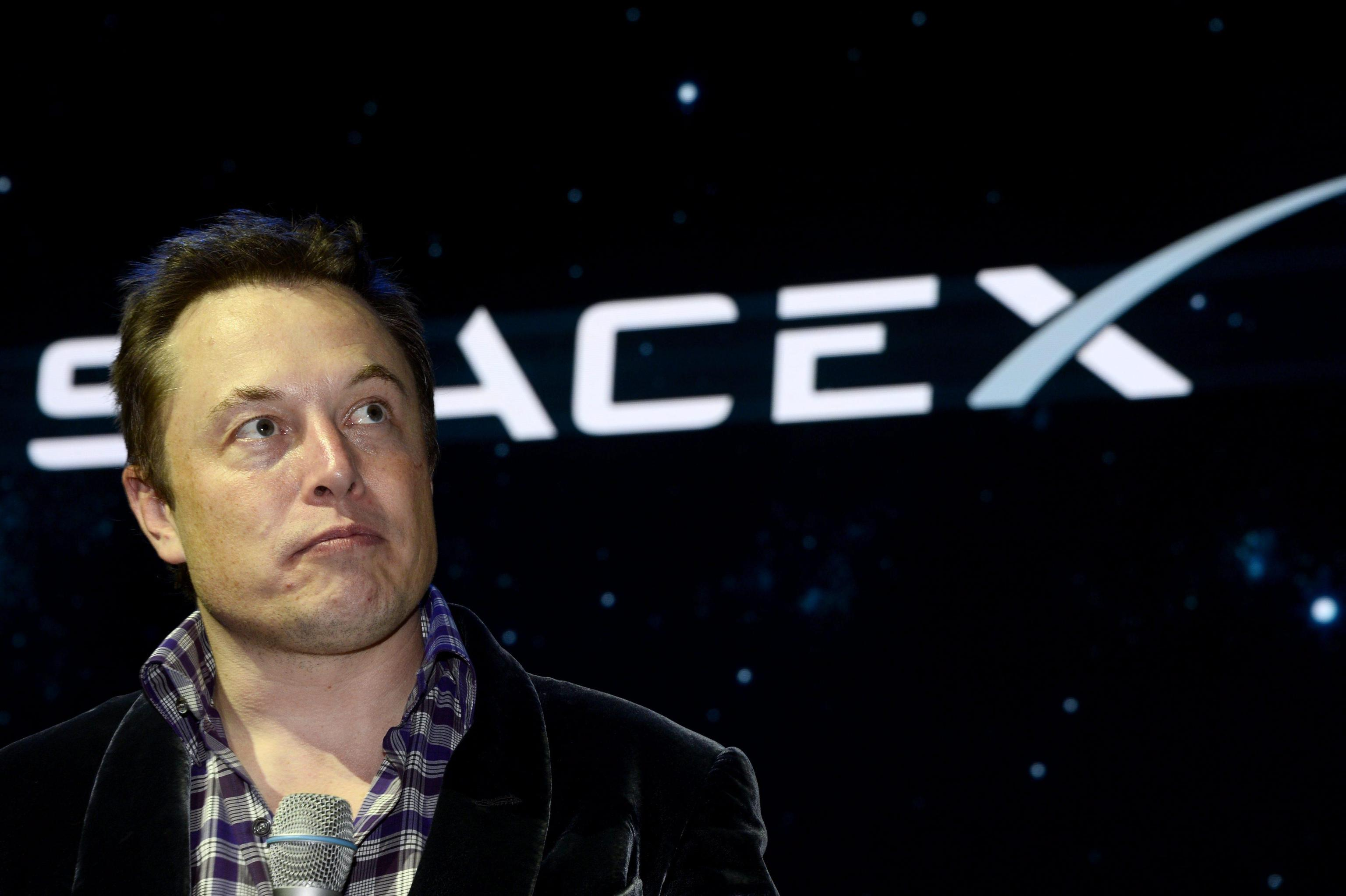 SpaceX Dragon 2 space craft unveiled