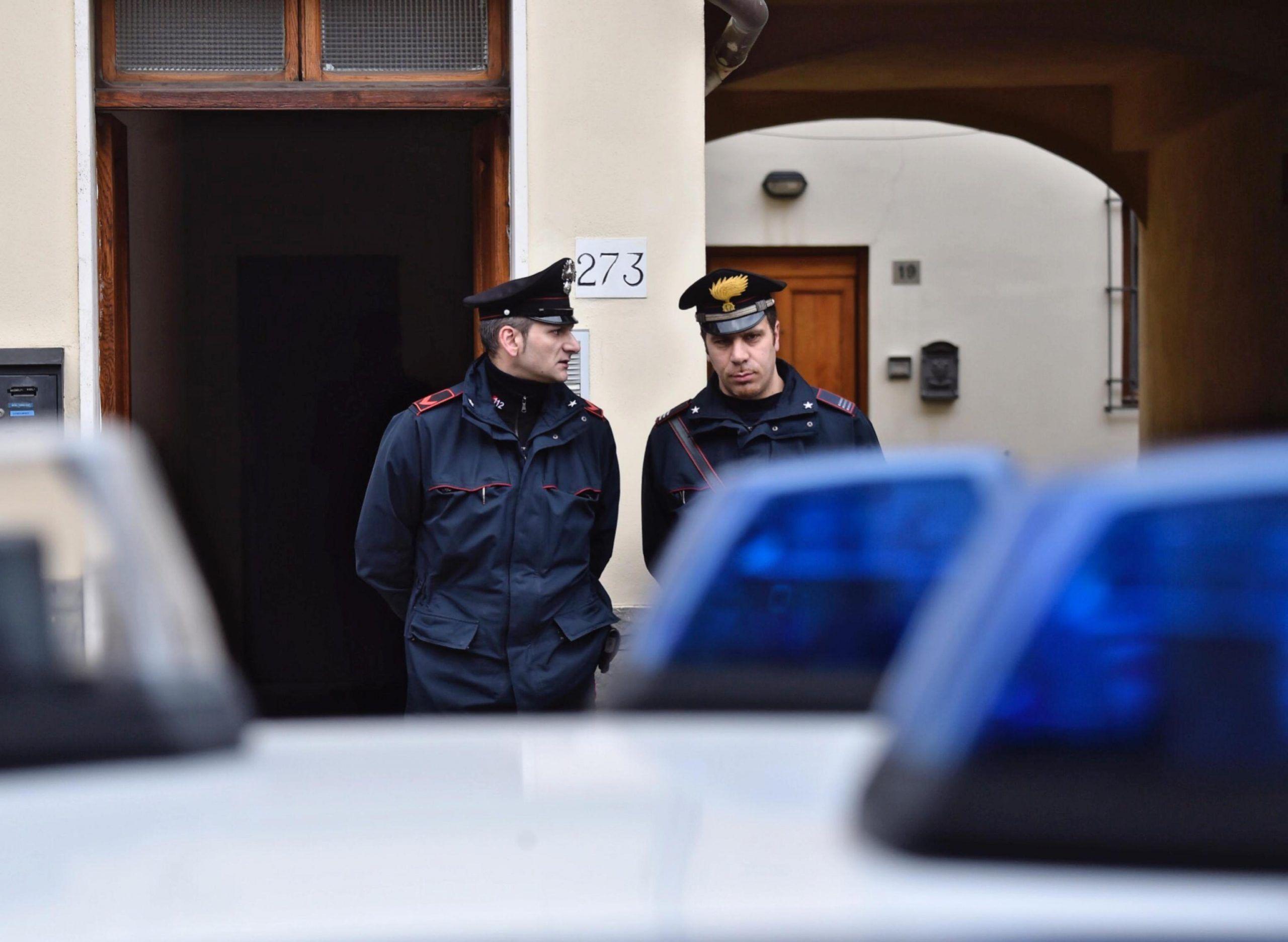 Firenze, bambina di 17 mesi picchiata dal padre ubriaco: è grave