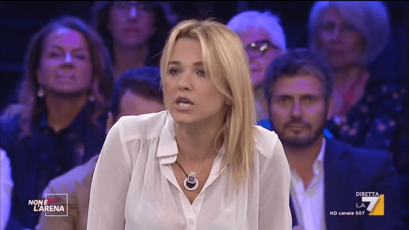 Francesca Barra attaccata per non aver difeso la Lucarelli: 'Ha massacrato la mia famiglia'