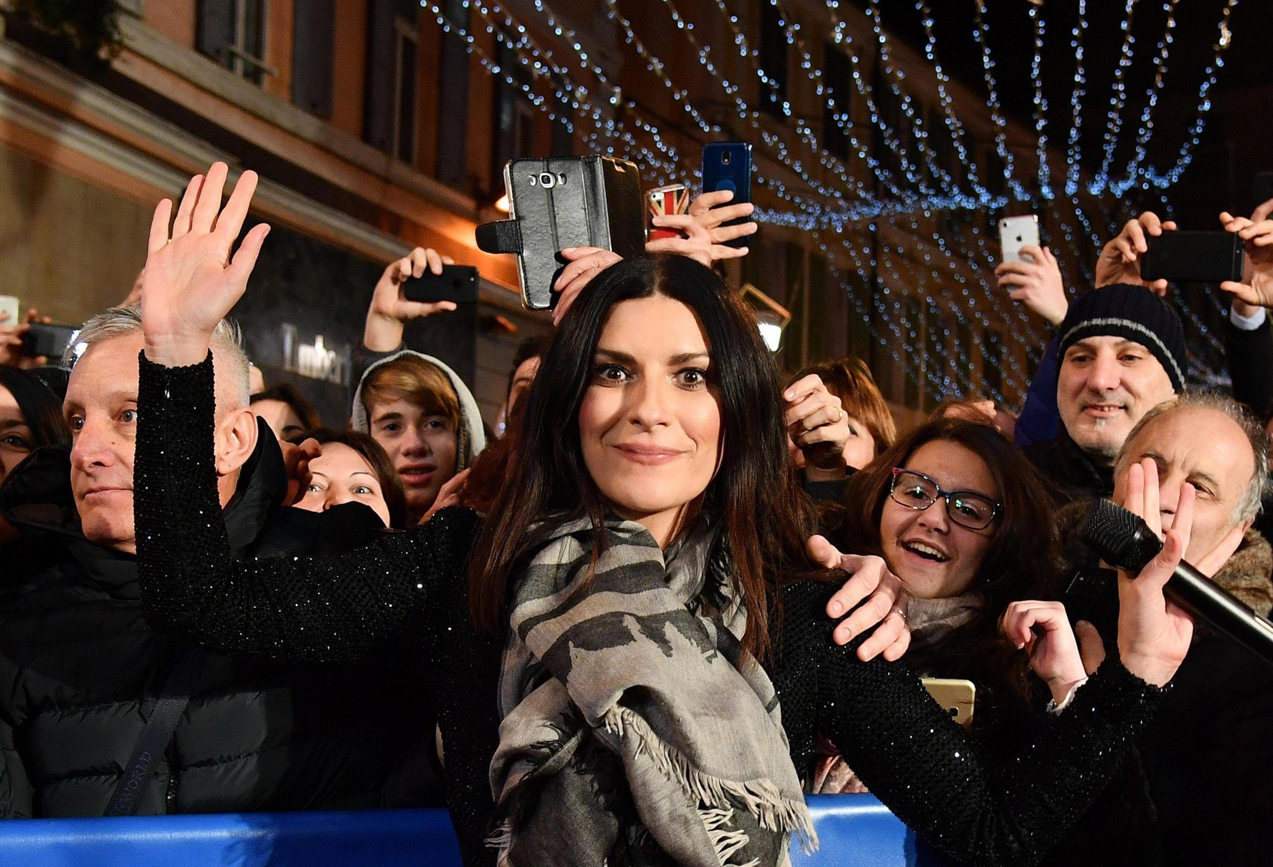 Sanremo 2019, Laura Pausini conduttrice? 'Sono anni che mi corteggiano, magari succederà'