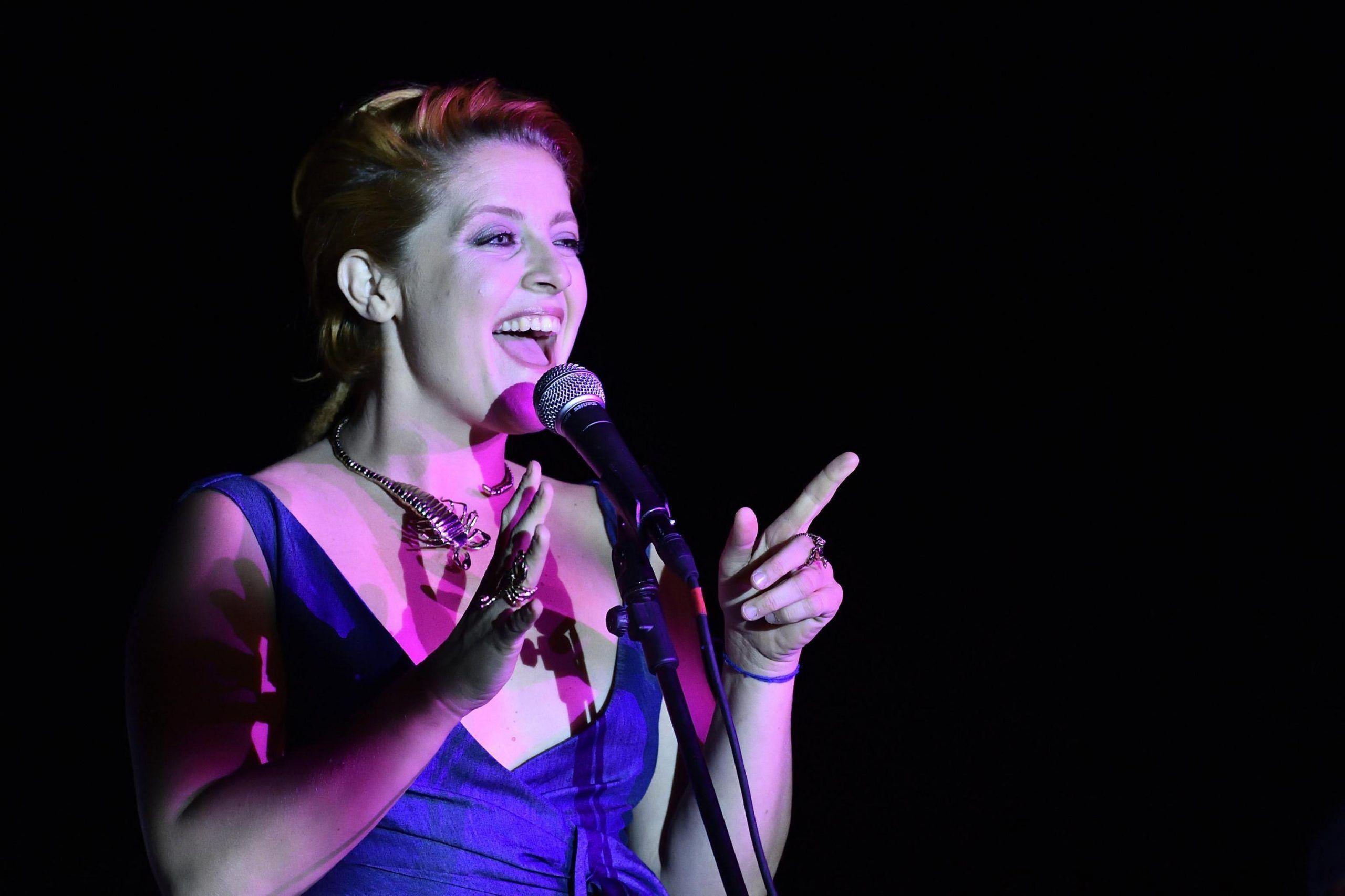 Noemi, la cantante confessa: 'Sono andata in analisi'