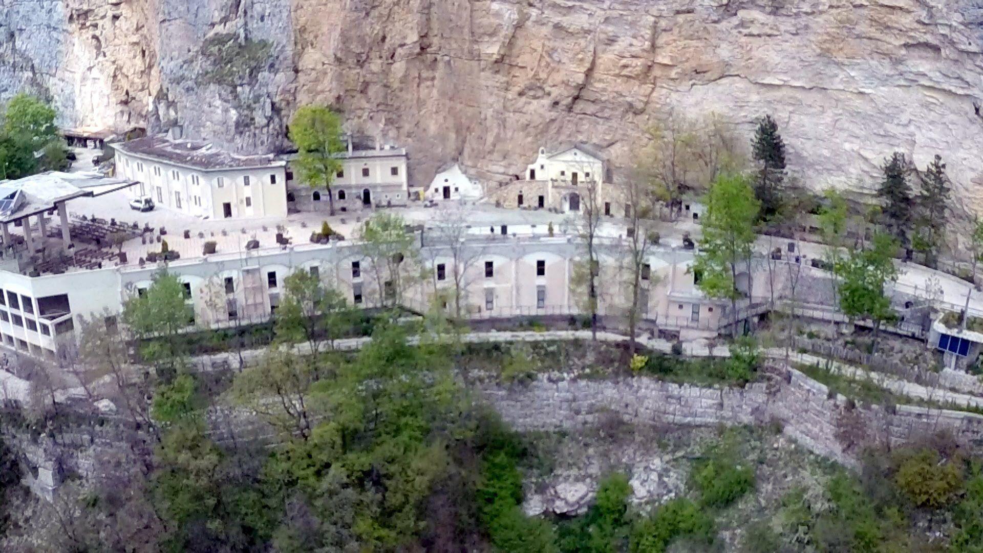 Shock a Vallepietra: 16enne precipita in un burrone vicino al Santuario della Santissima Trinità e rimane illesa