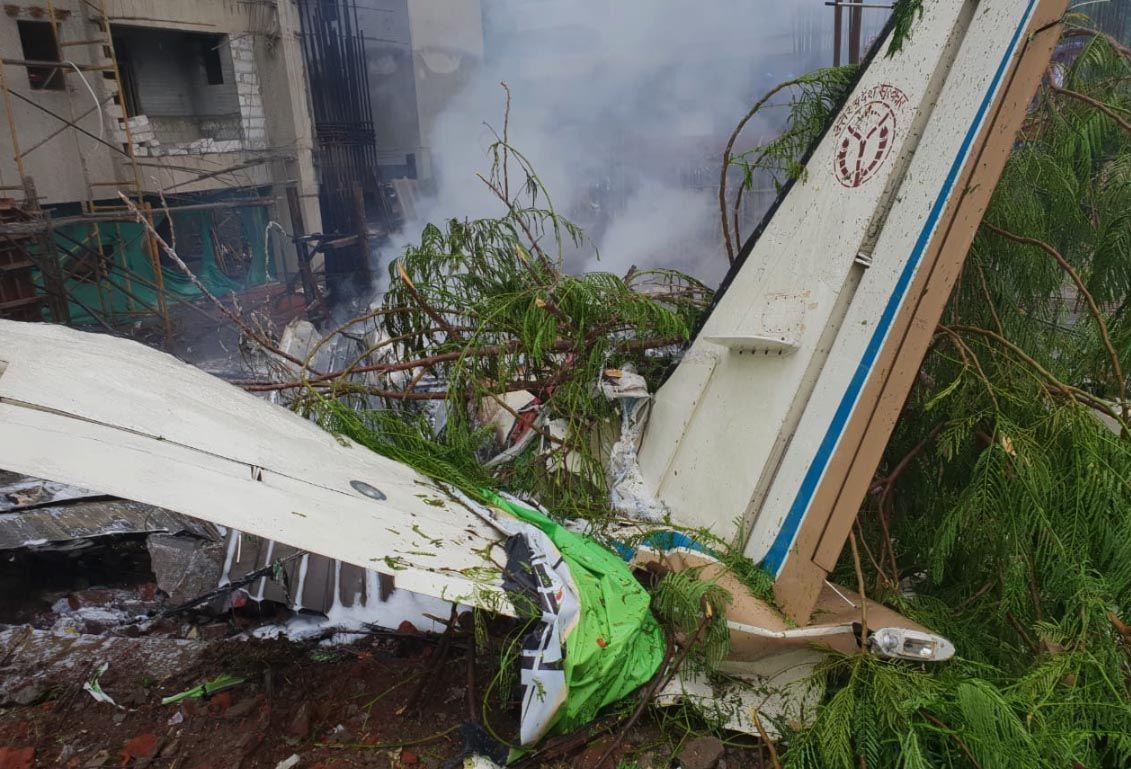 Piccolo aereo precipita a Mumbai: 5 morti e tra le vittime anche un passante