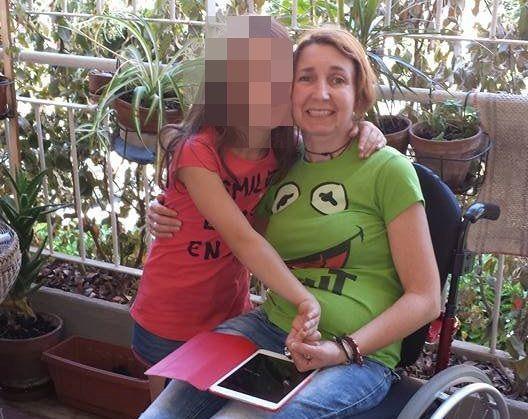 Donna è affetta da sclerosi multipla, le rubano la carrozzella motorizzata